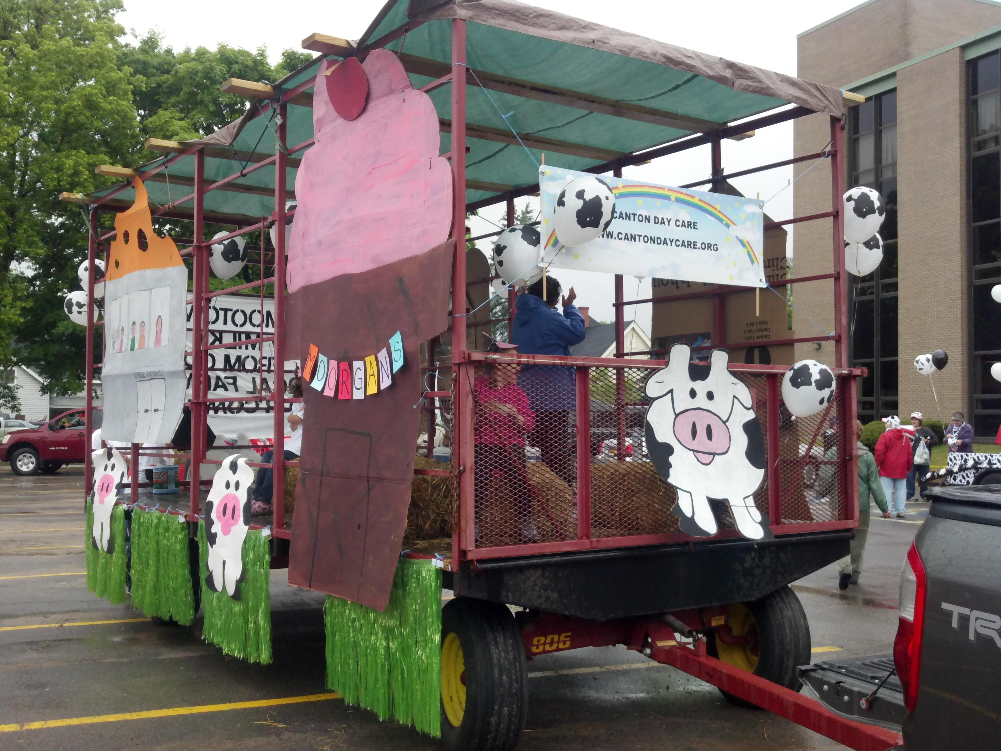 Dairy princess parade float canton day care center inc for Princess float ideas